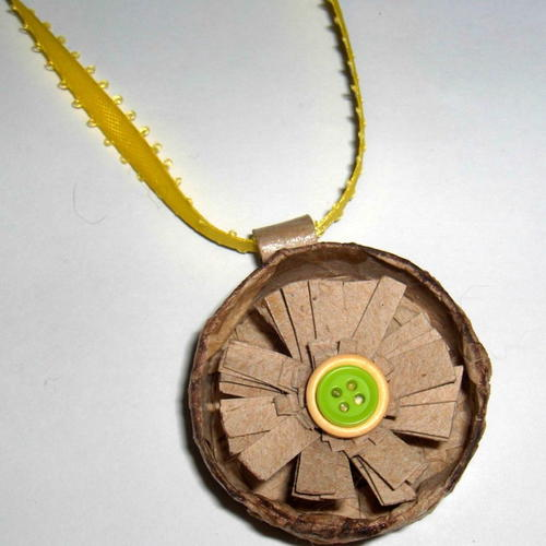 Easy Recycled Necklace
