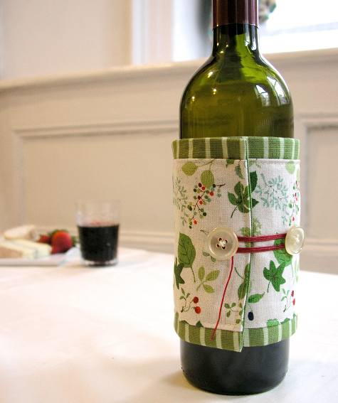 Wonderful DIY Wine Bottle Cozy