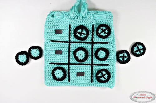 Tic Tac Toe Game Travel Bag with Magnets