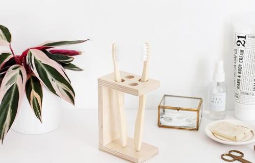 Wooden Diy Toothbrush Holder Diyideacenter Com