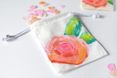 Pretty Painted Peony Bags