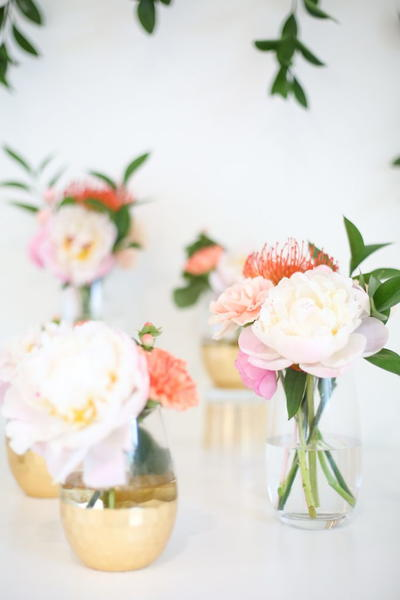 Classically Simple Wedding Flower Arrangement