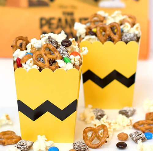Peanuts Party Snack Mix
