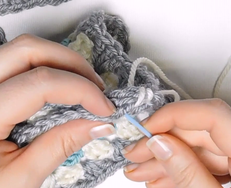 Crochet Joins: How to Crochet Two Pieces Together