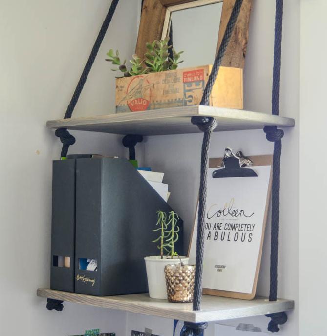Minimalist Bathroom Tutorial: Minimalist DIY Hanging Shelves
