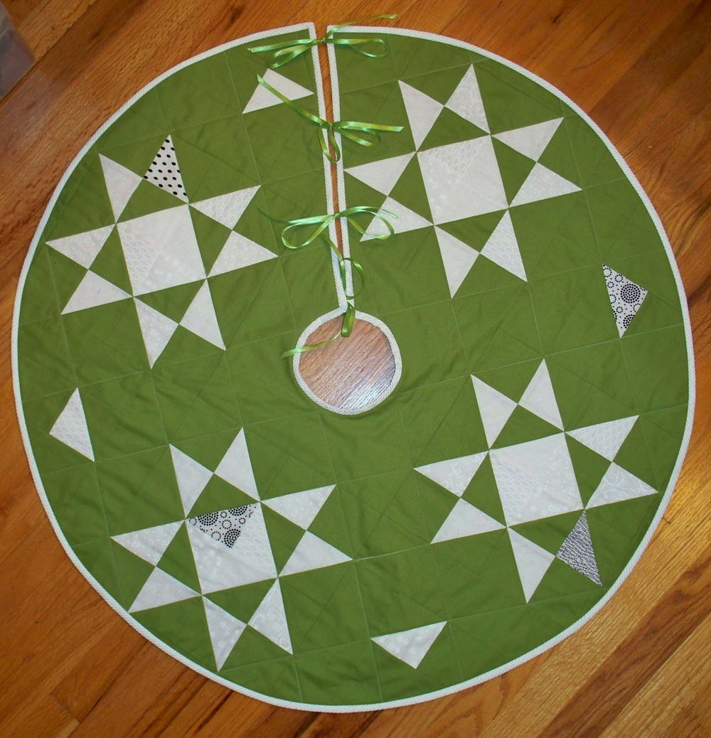 North pole tree skirt favequilts