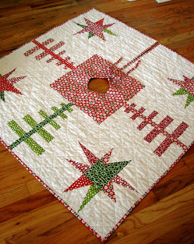evergreens and stars quilted tree skirt - Christmas Tree Skirt Pattern