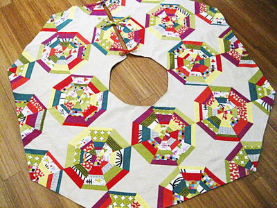 spiderweb block christmas tree skirt - Christmas Tree Skirt Pattern