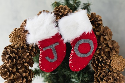 Mini Felt Christmas Stockings Tutorial