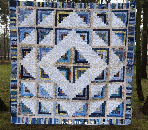 Cabin fever blues quilt pattern for Traditional log cabin plans