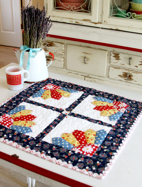 Country Chic Dresden Mini Quilt