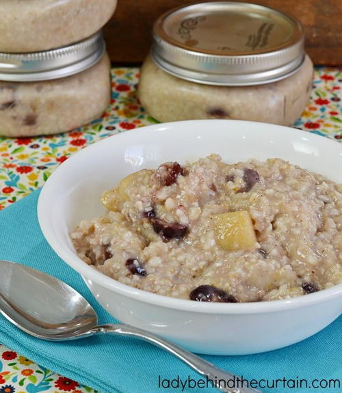 Make-Ahead Cranberry Apple Oatmeal