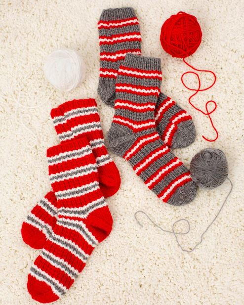 Cozy Christmas Knit Slipper Pattern AllFreeKnitting.com