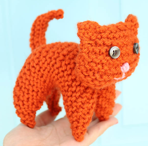 Sweet Kitty Easy Knit Toys