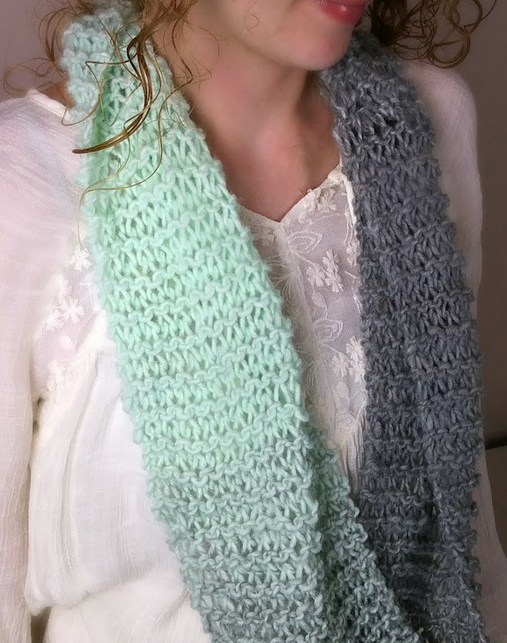 Scarf Knitting Pattern For Beginners : Beginners Knit Infinity Scarf AllFreeKnitting.com