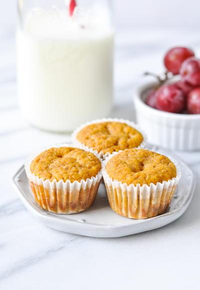 Applesauce Pumpkin Muffins | RecipeLion.com