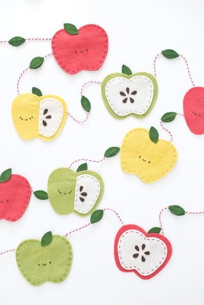 Super Cute Apple DIY Garland