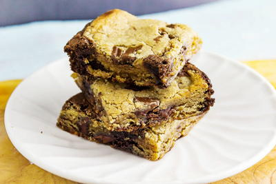 Bookies: Chocolate Chip Cookie Brownies
