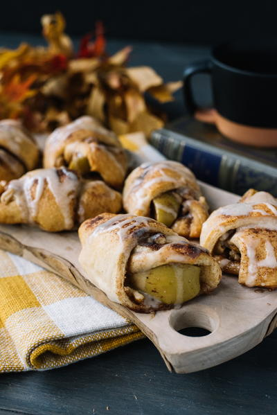 Apple Pie Crescent Roll Ups
