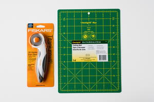 Fiskars Titanium Rotarty Cutter and Cutting Mat Giveaway
