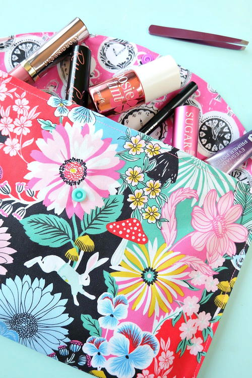 20 Minute Makeup Bag Sewing Tutorial