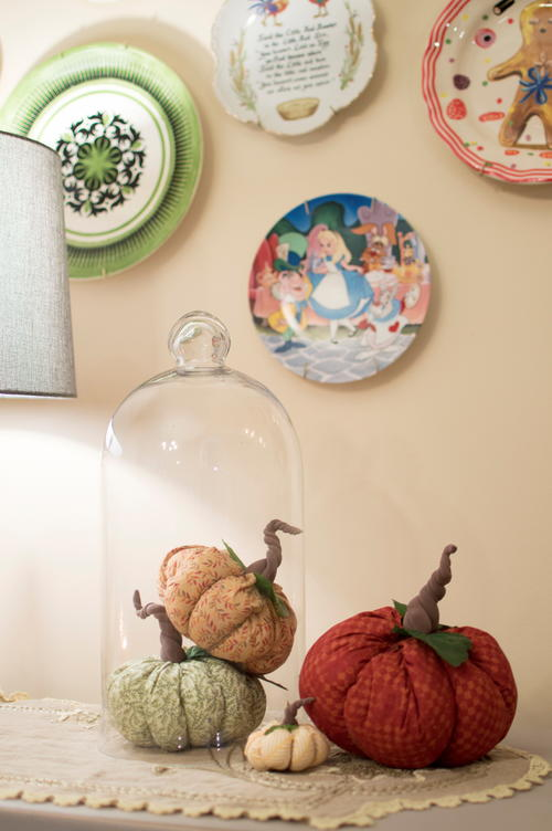 Easy DIY Scrap Fabric Fall Pumpkins with Homemade Stems