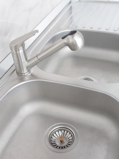 Stainless Steel Sink Cleaning Tutorial | DIYIdeaCenter.com