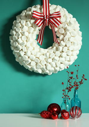 Marshmallow Diy Winter Wreath Allfreeholidaycrafts Com