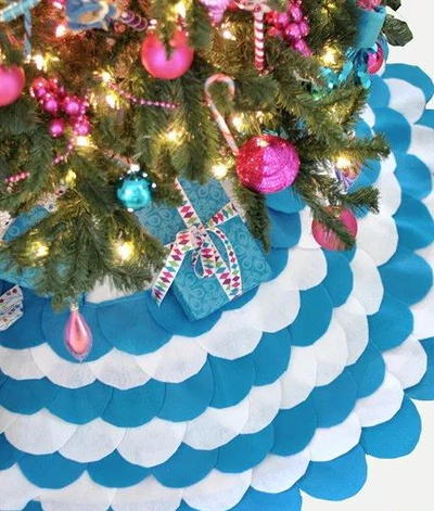 Sweet and Chic Scalloped Tree Skirt
