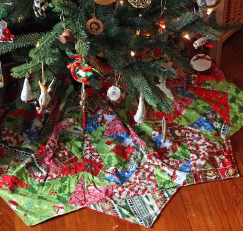 Tis the Season Christmas Tree Skirt | AllFreeSewing.com