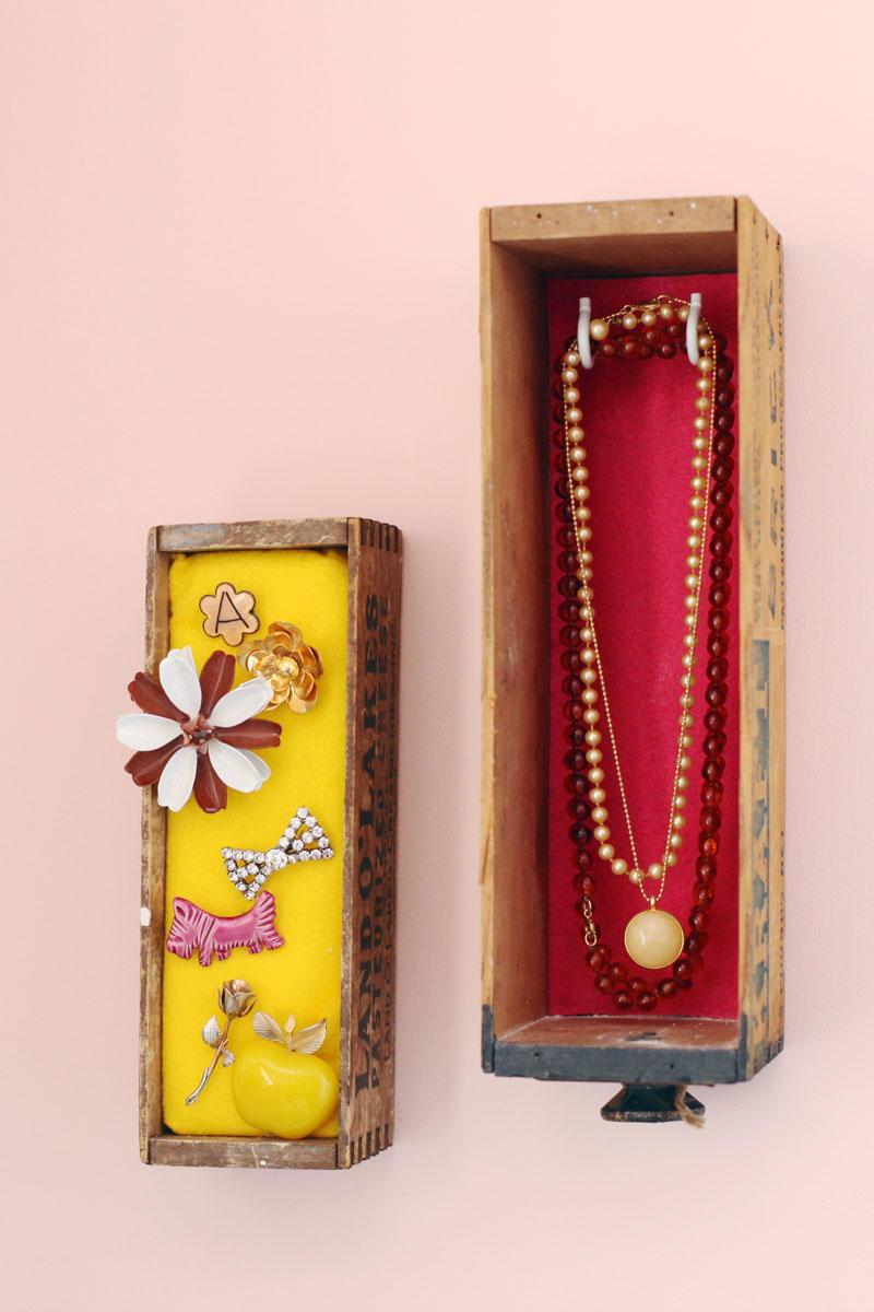 Diy Wall Mounted Jewelry Box Allfreejewelrymaking Com