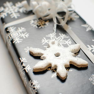 Snowflake Gift Ornaments