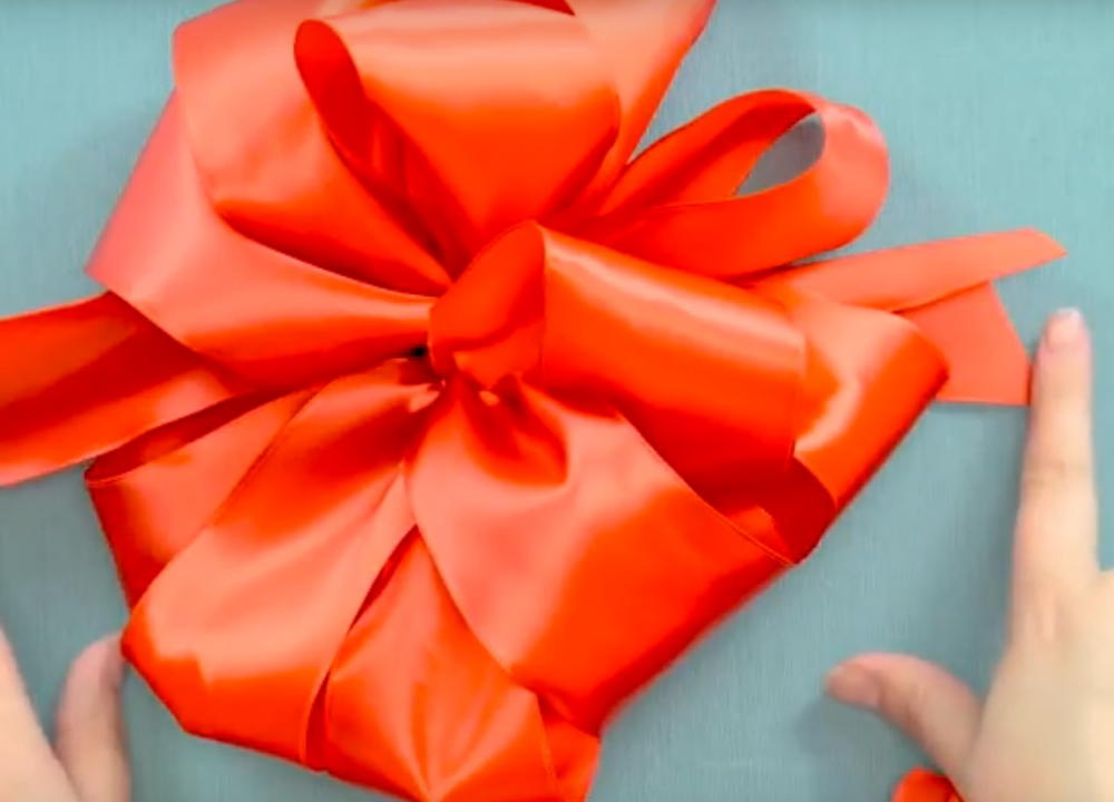 How To Make A Bow With Wired Ribbon Favecrafts Com
