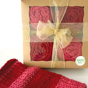Knit Lipstick Cowl Kit Giveaway