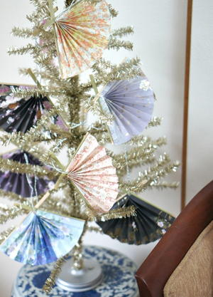 60 Christmas Crafts From Recycled Items