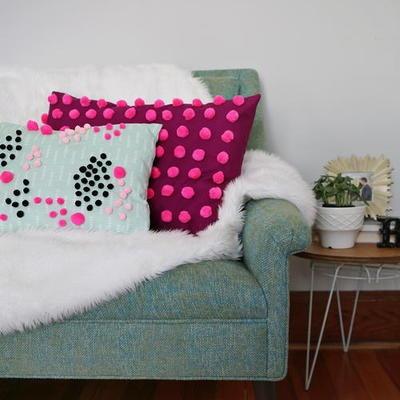 How to Make a Decorative Pillow & 40+ Decorative Pillow Patterns   AllFreeSewing.com pillowsntoast.com