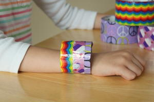 what to make with duct tape 90 easy duct tape crafts for kids. Black Bedroom Furniture Sets. Home Design Ideas