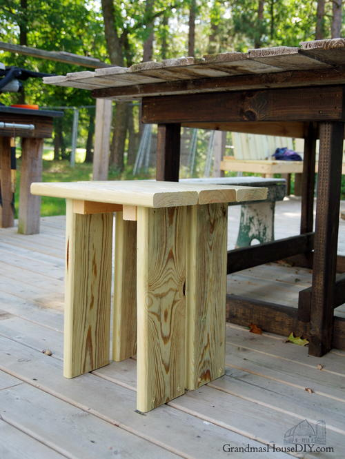 Outdoor Stool: Simple, Modern Wood Working Project For Our Deck!