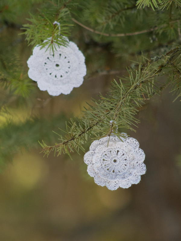 "Victorian Blush ""Snowflake"" Ornaments and Gift Tags"
