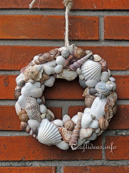 Summer Seashell Wreath
