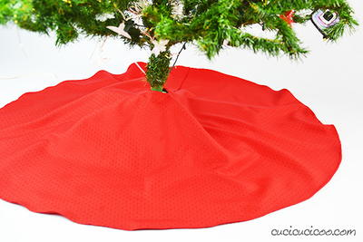 DIY Thrifty Christmas Tree Skirt