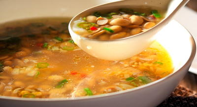 Cafe-Style Ginger and Chili Soy Bean Soup