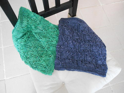 Lambrusque Knit Cowl