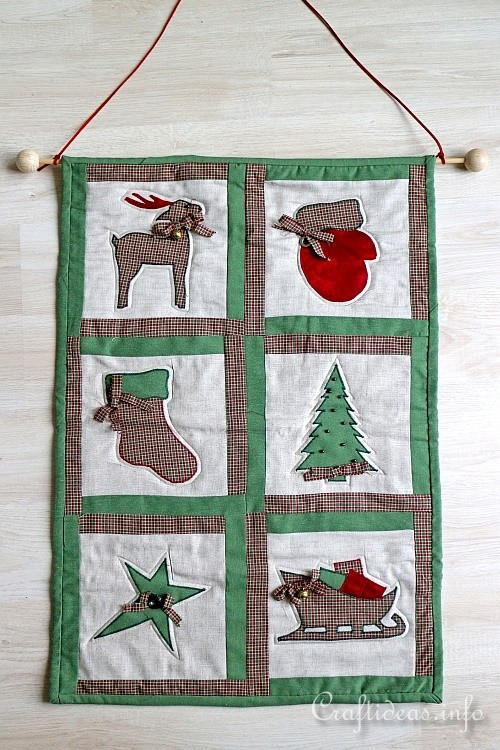 Quilted Rustic Christmas Wall Hanging
