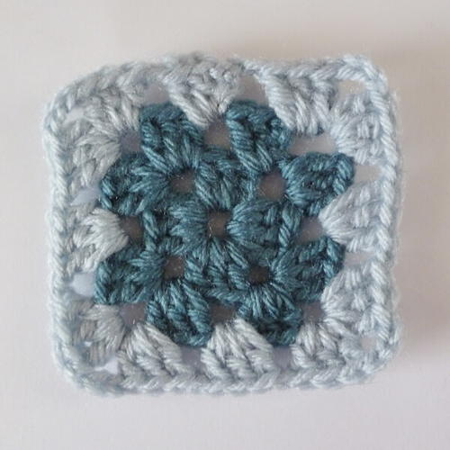 Super Easy Crochet Granny Square