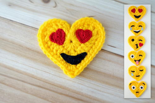 Crochet Emoji Valentines – Heart Eyes