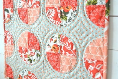 Lady's Delight Circle Mini Quilt