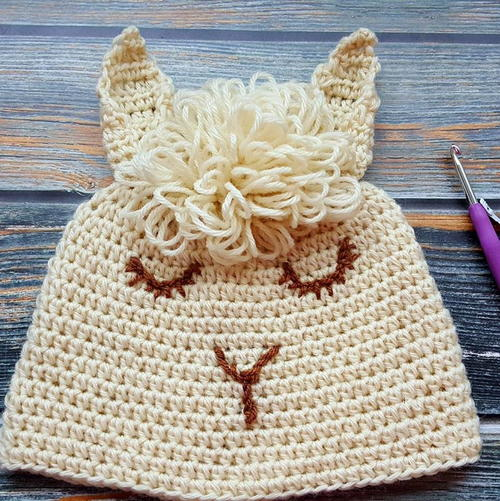 Fun and Easy to Crochet Llama Hat / Beanie