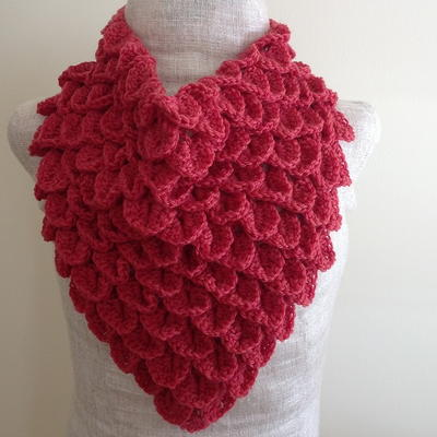 Coral Crocodile Stitch Crochet Cowl