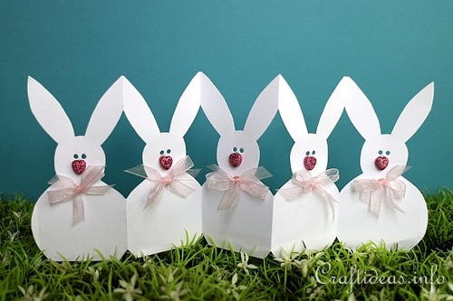 Adorable Paper Easter Bunny Garland